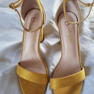 Mustard color open toe heels